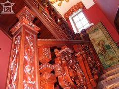 Столярные лестницы второго этажа.