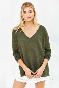 Kimchi Blue Easy V-Neck Tunic Top - Urban Outfitters