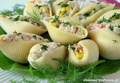 muszle-makaronowe-nadziewane-tunczykiem-przekaska-na-impreze4 Food Art For Kids, French Country Dining, Polish Recipes, Coleslaw, Finger Foods, Catering, Vegan Recipes, Food And Drink, Appetizers