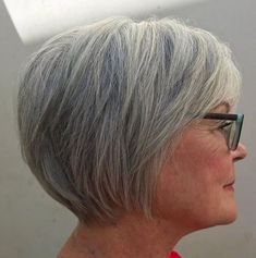 Long Gray Pixie Haircut For Women Over 60 Kurze Haare 60 Best Hairstyles and Haircuts for Women Over 60 to Suit any Taste Short Straight Hair, Short Hair With Layers, Short Hair Cuts For Women, Grey Hair Short Bob, Short Stacked Hair, Short Hairstyles For Women, Straight Hairstyles, Cool Hairstyles, Gorgeous Hairstyles