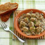 Блюда из птицы-тефтели из индейки в грибном соусе