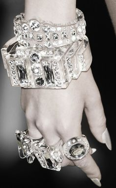 icey style ♥✤ | Keep the Glamour | BeStayBeautiful