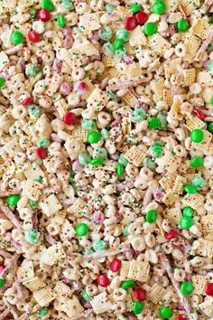 Reindeer Chow - Life Made Simple Reindeer Chow - Life Made Simple Reindeer Chow - Life Made Simple<br> Santa shouldn't get all of the treats! This fun and festive reindeer chow is a sweet and salty mix of cereal, pretzels, peanuts and M&Ms. Reindeer Chow Recipe, Reindeer Food Poem, Magic Reindeer Food, Christmas Snacks, Christmas Goodies, Christmas Candy, Holiday Treats, Christmas Treats For Gifts, Xmas
