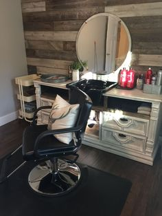 Diy shampoo bowl in dresser home salon small salon, small beauty salon ideas, shampoo Home Beauty Salon, Home Hair Salons, Hair Salon Interior, Beauty Salon Decor, Salon Interior Design, Small Beauty Salon Ideas, In Home Salon, Small Salon Designs, At Home Salon Station