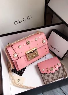 Gucci Small leather shoulder bag with padlock and rivets in pink. - Gucci Small leather shoulder bag with padlock and rivets in pink. View the Gucci collection at … - Gucci Handbags, Luxury Handbags, Purses And Handbags, Gucci Bags, Chain Shoulder Bag, Leather Shoulder Bag, Shoulder Bags, Sacs Design, Prada Bag