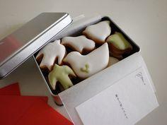 菓子工房 ルスルス Weeding, Food Design, Macarons, Cookies, Gifts, Crack Crackers, Grass, Presents, Weed Control