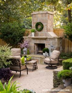 31 Fabulous Outdoor Fireplace Ideas You Should Copy Now - Are you interested in an outdoor firepit? An outdoor fireplace can be an amazing attraction on your patio, or use anywhere in the yawn. Outdoor Rooms, Outdoor Gardens, Outdoor Living, Outdoor Decor, Outdoor Kitchens, Outdoor Sitting Areas, Outdoor Patios, Outside Fireplace, Backyard Fireplace