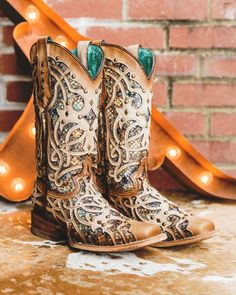 Cute Cowgirl Boots, Womens Cowgirl Boots, Cowgirl Style, Western Boots, Tennis Shoes Outfit, Glitter Boots, Square Toe Boots, Fringe Boots, Girls Shoes