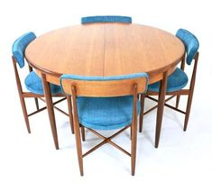 Mid century Table and Chairs . Mid Century Decor, Mid Century House, Mid Century Furniture, Mid Century Design, G Plan Furniture, European Furniture, Dinning Chairs, Table And Chairs, Mid Century Credenza