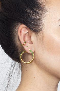Yellow gold seaweed twists, seaweed cuff and seaweed studs with emerald green stones Fashion Earrings, Fashion Jewelry, Emerald Green Stone, Cleaning Silver Jewelry, Twisted Metal, Metal Fashion, Treasure Island, White Topaz, Seaweed