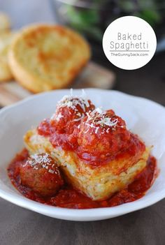 This Baked Spaghetti recipe is for mini loaves of creamy Alfredo baked spaghetti topped with meatballs and marinara sauce. It's a Tucci Benucch copycat recipe!