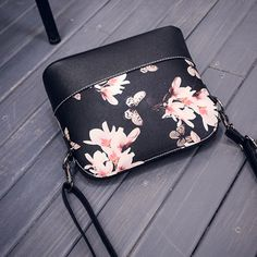 http://gemdivine.com/women-printing-shoulder-bag-leather-purse-satchel-messenger-bag-bolsas-femininas-couro-bolsas-de-marcas-butterfly-girl-bolso/