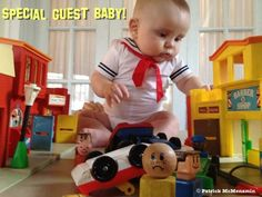 babies recreate scenes from classic movies (ghostbusters)