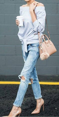 #fall #outfits Grey Shoulderless Sweater // Destroyed Jeans // Nude Pumps // Tote Bag