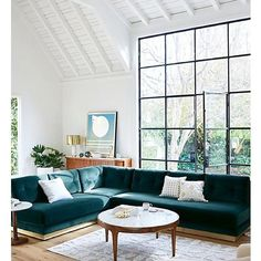Everything in this room though ✖️#interiordesign #interiors #interiorstyling #designdetails #design #highceilings #architecturaldetails #architecture #windows #architecturalwindows #velvetsofa #homedesign #homedecor #coffeetable #furniture #midcentury #midcenturyfurniture #artwork #artcollection #windows #sofa #decor #interiorinspo #interiorinspiration