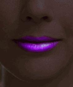 glow in the dark super glowing lipstick