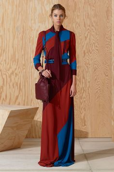 See the complete Bottega Veneta Pre-Fall 2016 collection.