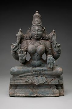 SFO Museum presents Deities in Stone: Hindu Sculpture from the Collections of the Asian Art Museum The Hindu deity Tripurasundari c. 1500–1700 Southern India gabbro stone Asian Art Museum of San Francisco, the Avery Brundage Collection B61S17+ L2012.0801.028