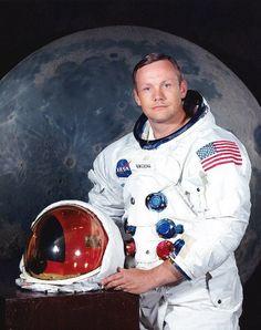 Morre Neil Armstrong, primeiro homem a pisar na Lua