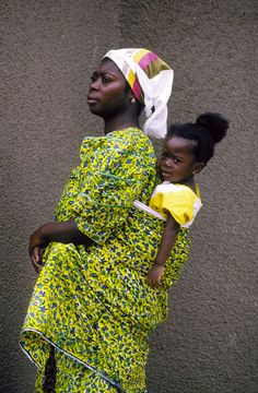 african women | Tumblr African Babies, African Women, Happy Baby, Baby Carrying, African Diaspora, African Culture, World Cultures, Mothers Love, Natural Parenting
