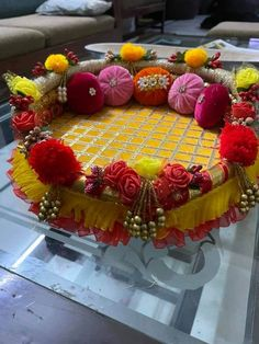 Arti Thali Decoration, Ganpati Decoration At Home, Diwali Decorations At Home, Ganapati Decoration, Diy Wedding Decorations, Diy Crafts Useful, Diy Crafts For Home Decor, Indian Wedding Gifts, Desi Wedding Decor