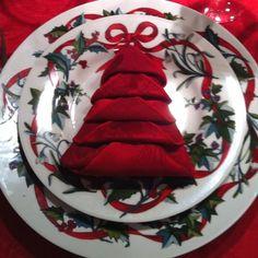 Love the Christmas tree folded napkin