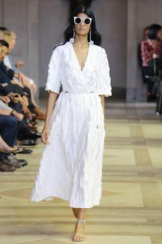Carolina Herrera Spring 2016 Ready-to-Wear Fashion Show - Bhumika Arora