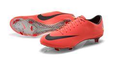 Novas chuteiras da Nike, Mercurial Vapor 8, usada por Neymar.