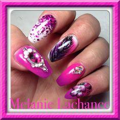 #pink #pinknail #diamond #diamant #plume  #nail #nailart #ongles #lovemyjob #naildeco #deconailart #feather #pearl