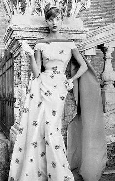 1956 Iris Bianchi wearing a gown by Fontana