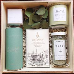 Something relaxing and something sweet!  A spa themed gift featuring @thelittlemarket @herbivorebotanicals @dicktaylorchocolate @silverneedleteaco @sugarfina