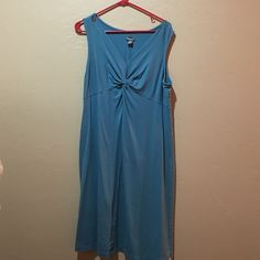 Casual teal dress Very comfy, stretchy. Pics 2 (tag) and 4 show color of dress accurately. Eddie Bauer Dresses
