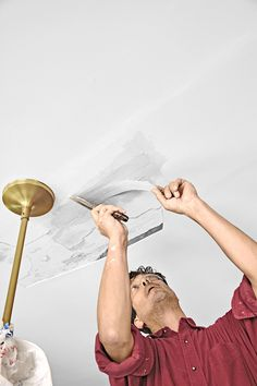 How to put a fresh face on brown, blistered, water-damaged drywall Plaster Ceiling Repair, Repair Ceilings, Drywall Ceiling, Bathroom Repair, Drywall Repair, Sell My House, Painted Trays, Window Repair, Home Repairs