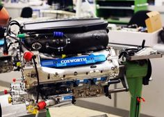 Motor+Cosworth+V-8+2013.jpg (640×456)