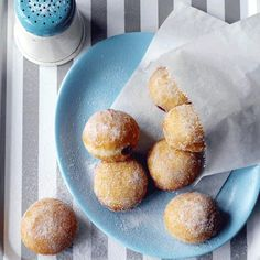 You can fill these doughnuts with nutella, jam, custard - whatever you'd like. The recipe is so versatile, everyone will love them.