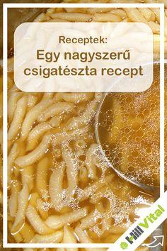A csigatészta egy hagyományos tészta forma hazánkban ami nagyon mutatós és persze finom is a levesekben. Akár otthon te is elkészítheted magadnak a csigatésztát és most adunk is egy nagyszerű receptet hozzá.  Először is nézzük mikre lesz szükségünk: - 1 db házi tojás - 10 dkg liszt