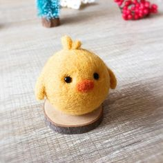 Handmade Needle felted felting kit project Woodland Animals chicken cute for beginners starters 2019 The post Handmade Needle felted felting kit project Woodland Animals chicken cute for beginners starters 2019 appeared first on Wool Diy. Needle Felting Kits, Needle Felting Tutorials, Needle Felted Animals, Felt Animals, Nuno Felting, Easy Felt Crafts, Felt Diy, Needle Felted Ornaments, Felt Ornaments