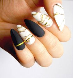 Looking for easy nail art ideas for short nails? Look no further here are are quick and easy nail art ideas for short nails. Matte Nails, Black Nails, Pink Nails, Matte Black, Grey Nail Designs, Acrylic Nail Designs, Elegant Nails, Stylish Nails, Almond Acrylic Nails