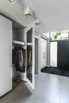 Fitted wardrobes - practical solution for the highest demands , built-in cabinets very functional and so modern. Style At Home, Ideas Armario, Casa Top, Built In Cupboards, Fitted Wardrobes, Built In Wardrobe, House Goals, Smart Home, Future House