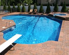 Vinyl pool with spa and diving board