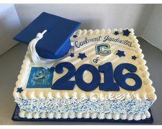 Graduation Cap Sheet Cake - Yelp Graduation Cake Designs, College Graduation Cakes, Graduation Party Desserts, Graduation Party Planning, Graduation Decorations, Grad Parties, Graduation Ideas, Foto Pastel, Party Cakes