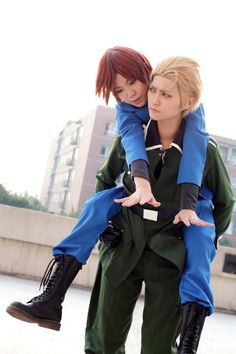 Hetalia ~ Italy and Germany / Cosplay Cosplay Fail, Epic Cosplay, Amazing Cosplay, Cosplay Outfits, Anime Outfits, Cosplay Costumes, Anime Cosplay, Cosplay Ideas, Hetalia Cosplay