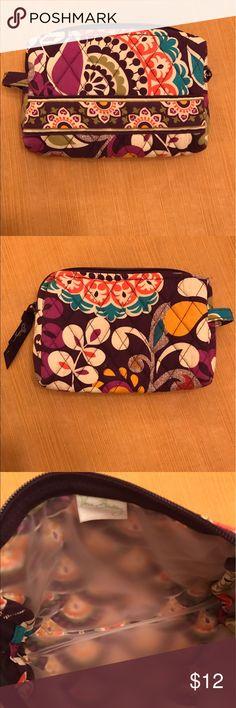 Vera Bradley Small Cosmetic Case EUC. Shows no signs of wear. 7 x 4 x 1.25 Vera Bradley Bags Cosmetic Bags & Cases