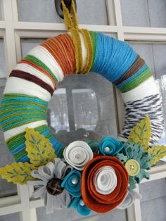 yarn wreath- Make this look like the 4th Doctor's Scarf for the TARDIS door.