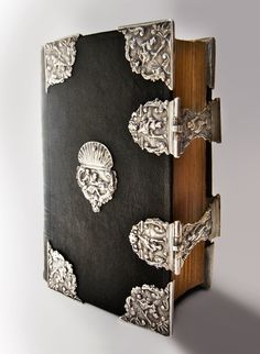Dutch silver clasps, corners and centerpieces from the 18th century