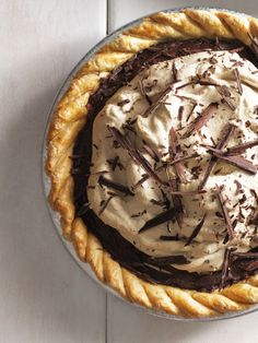 Chocolate + coffee + more chocolate. This chocolate espresso pie is sure to leave you buzzed. Click through for this and more easy pie recipes.