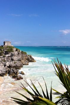 perfectly located on the cliff overlooking the turquoise waters of the This unique and spectacular site is the only location in the world that visitors can experience the breath taking views of the sea and of these 1200 year old Mayan Ruins. Beaches In The World, Places Around The World, Travel Around The World, Tulum Ruins, Mayan Ruins, Tulum Mexico, Most Beautiful Beaches, Beautiful Places To Visit, Amazing Places