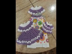 Crochet this beautiful vintage dress towel topper set. Helenmay Crochet You Tube channel Crochet Geek, Crochet Gifts, Easy Crochet, Crochet Baby, Free Crochet, Ravelry Crochet, Crochet Classes, Crochet Videos, Crochet Projects
