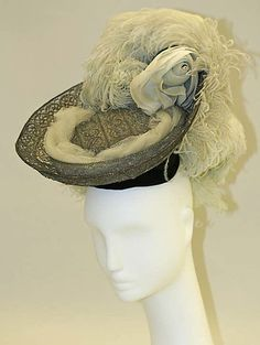 Hat Date: ca. 1901 Culture: American or European Medium: silk, metallic, feathers Dimensions: Length (front to back): 11 in. Headdress, Headpiece, Vintage Purses, Vintage Hats, Vintage Box, Vintage Glamour, Vintage Stuff, Vintage Outfits, Vintage Fashion