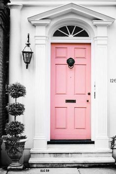 Your front door color is like jewelry for your home. Add sparkle and style to your home's curb appeal with these fresh front door colors. Door Decorations, Black Interior Doors, Painted Doors, House Front, Painted Front Doors, Doors Interior, Beautiful Front Doors, Garage Door Design, Garage Door Types
